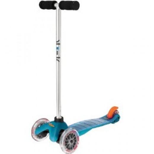 Mini Kick Scooter in Aqua (known as Mini Micro in Europe)