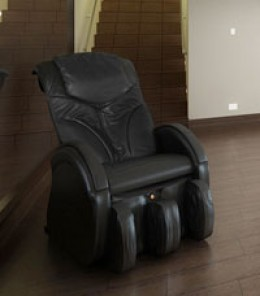 An Elite Triumph massage chair, recipient of multiple consumer awards.