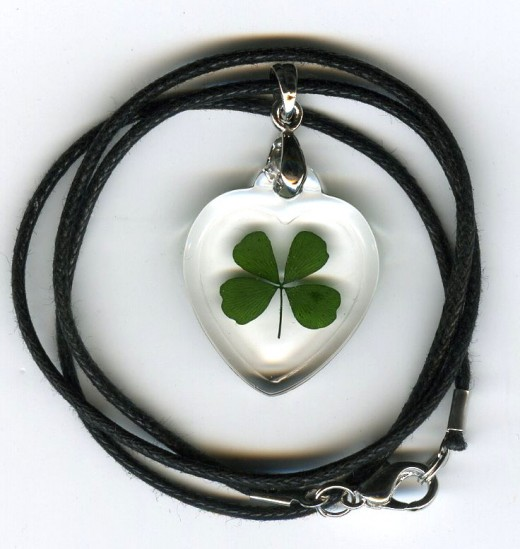.four leaf clover necklace  ( larger heart )