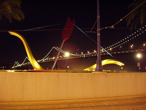LOOK! HubPages staffers can enjoy their own Bow and Arrow at the Oakland Bay Bridge in San Francisco.