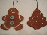 Gingerbread Cookies - photo from cool-kids-craft-ideas.com