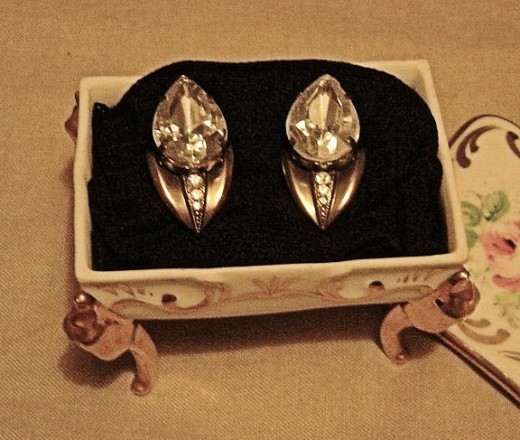Two gifts in one - earrings in a Limoges Porcelaine Box