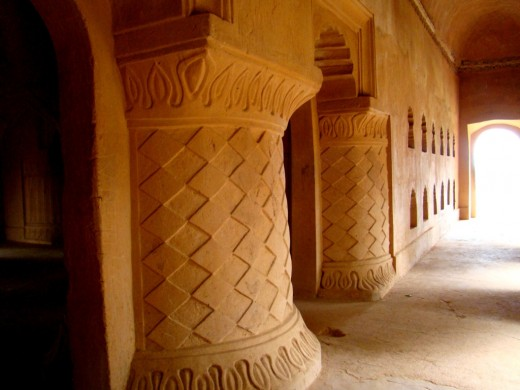 Decorative pillars of Kareng Ghar