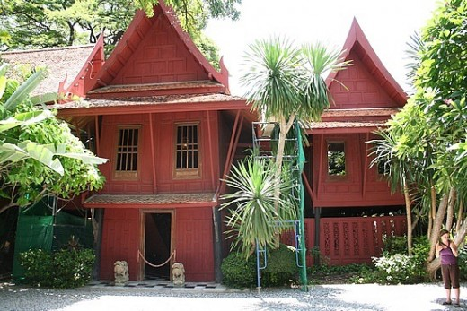 Jim Thompson House - 5 min walk from BTS National Stadium station