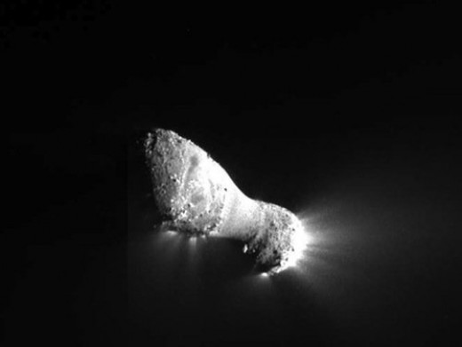 close view of comet Hartley-2