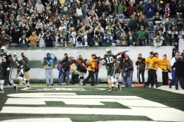 Santonio Holmes celebrates after catching the game-winning TD in the final seconds of the 4th quarter.