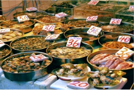 Cooked food sold by a Dai Pai Dong in Hong Kong.