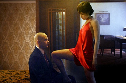 Tim Olyphant and Olga Kurylenko in Hitman