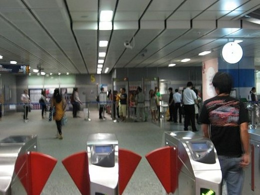 MRT Silom station
