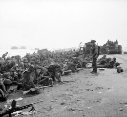 Troops on tbe beach during D day