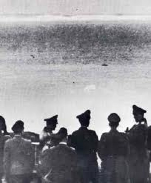 Hitler surveys the coast of Britain in 1940