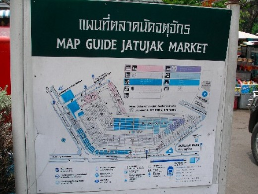 Chatuchak Weekend Market - You can find these maps near the entrances
