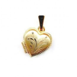 High quality Italian made 14k yellow gold heart locket pendant. The pendant measures 25 mm high by 18 mm wide.