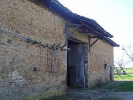 Barn in La Treille. Are the tools stored or displayed? Clearly they are not plagued with thieves