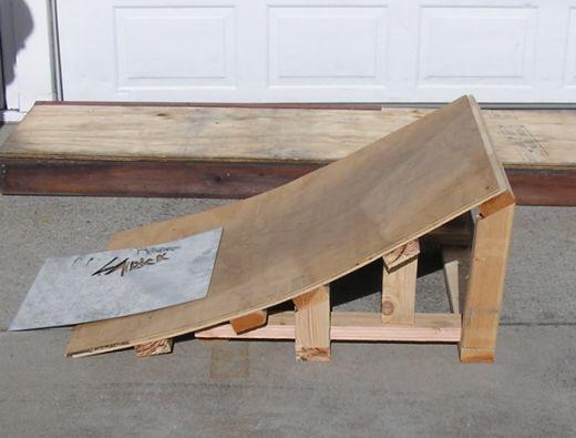 Skate ramp wood corner bookcase furniture plans jet for Skateboard chair plans