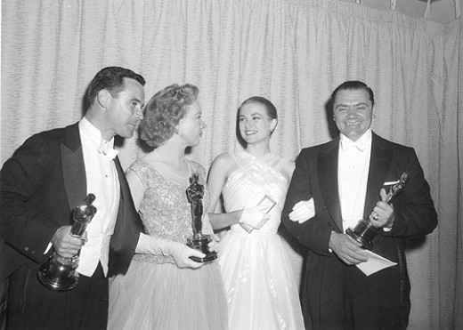 With his Oscar in 1956, with Jack Lemmon, Jo Van Fleet and Grace Kelly