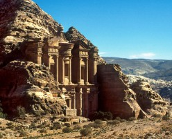 10 places you must visit when you go to Jordan
