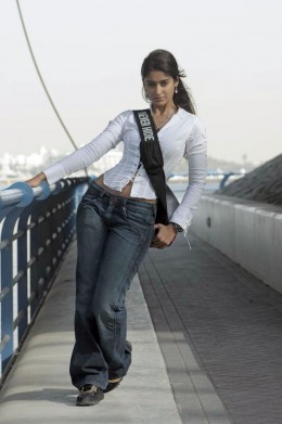 Ileana in tight jeans