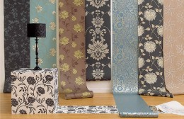 Think how dramatic and sumptuous any one of these would look behind your bed.  Extra Tip: pick up the colors in the wallpaper and use as accents in your bedroom.
