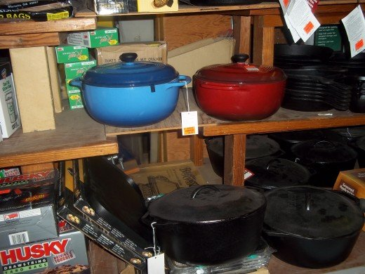 covered cast iron dutch ovens