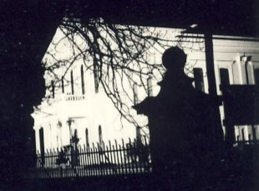"""The """"Ou Hoofgebou"""" at night. This building was the original building of Victoria College which subsequently became the University of Stellenbosch"""