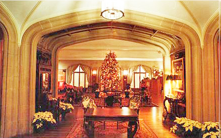 Callanwolde front hall decorated for Christmas