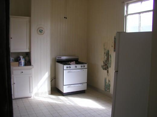 Kitchen stove/corner before