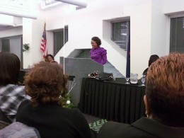 Robin Givens Speaking to Women