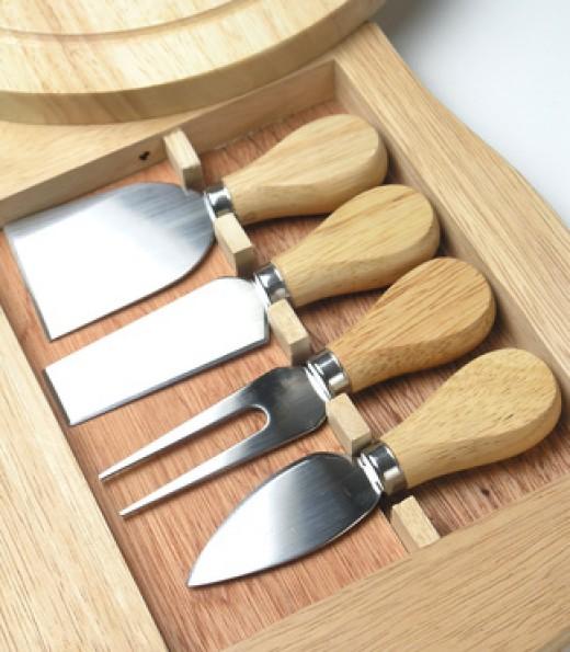 Parmigiano-Reggiano 'cutting' tools Image:  Marzia Giacobbe - Fotolia.com