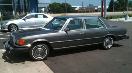 This old 1970s Mercedes doesn't owe it's owner anything at this point, fully depreciated and still going.