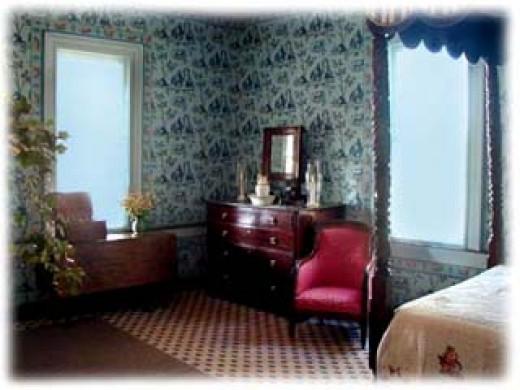 Monroe's bedchamber at Ashlawn-Highland.