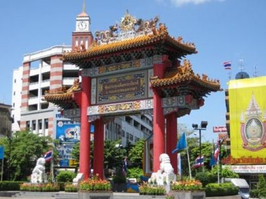 Bangkok Chinatown Gate - Where Yaowarat Road Begins