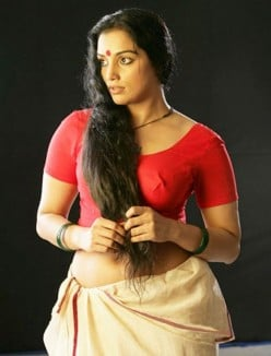 Hot Swetha Menon Pics - Malayalam Actress Shwetha menon Photo gallery