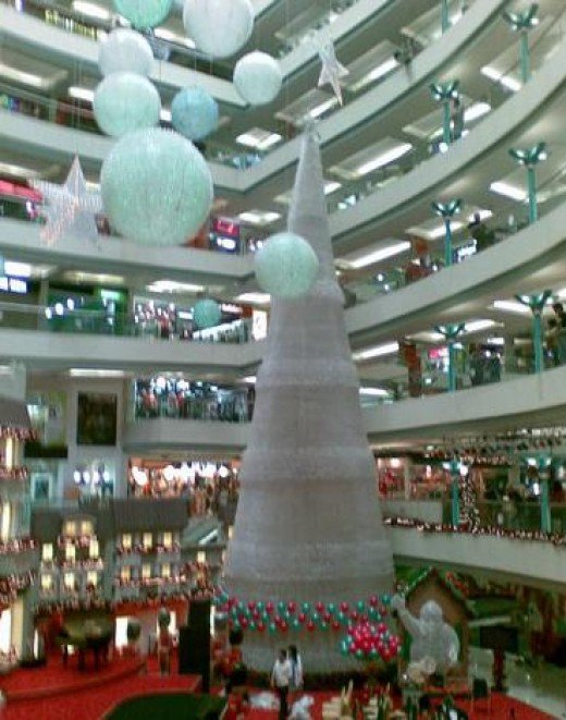 They started to build a 20 meters Christmas tree.