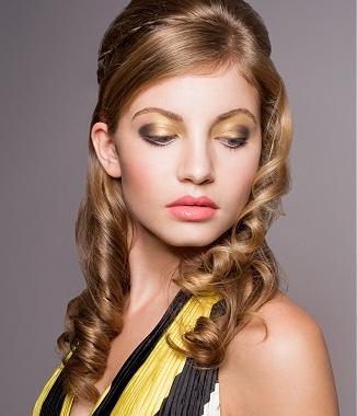 Swideswept Bangs and Loose Waves hairstyle