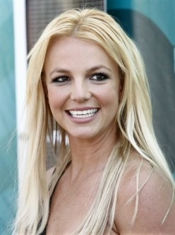Britney Spears at Teen Choice Awards 2009 - photo by AP