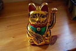 Gold Japanese Beckoning Cat (Maneki Neko)-(Photo Credit-Wikimedia Commons)