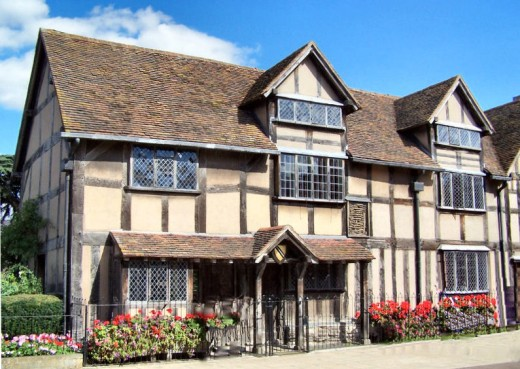 Shakespeare's birthplace This is a file from the Wikimedia Commons. Author ~ Original uploader was Kev747 at en.wikipedia Permission is granted to copy, distribute and/or modify this document under the terms of the GNU Free Documentation License http