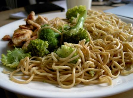 Chicken Noodle with Broccoli