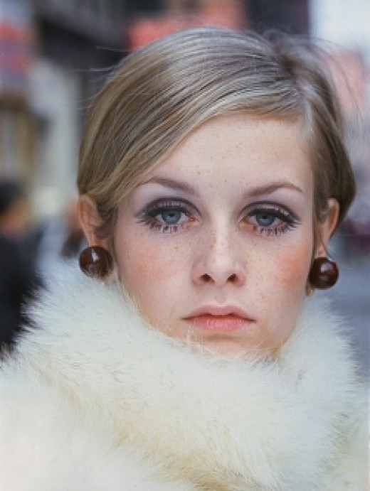 Twiggy - Dress in fashion - fur