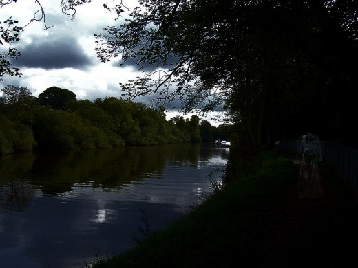 You can just see the ghost on the towpath if you click on the image to see it full size