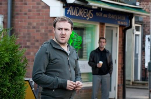Kevin spots Tyronne leaving Sallys