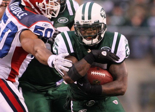 New York Jets running back Joe McKnight (25) avoids tackles as he runs for a first down against the Buffalo Bills Sunday January 2, 2011. Jets win 38-7. Saed Hindash/The Star-Ledger