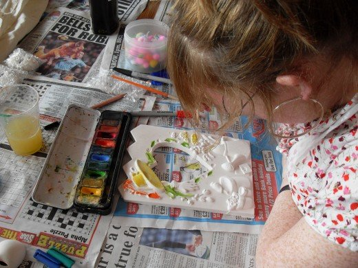 Colouring a plaster frame using watercolour
