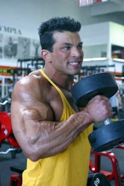 Build Big Arms with Hammer Curls