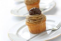 Cake with Chestnut Cream Image:  bonchan|Shutterstock.com