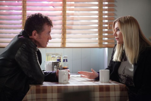 Ronnie asks Alfie if she can attend the funeral but he tells her it will be best for her to stay away,