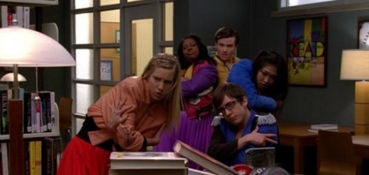 "Brittany, Mercedes, Kurt, Artie and Tina performing ""Can't Touch This"" in the library"