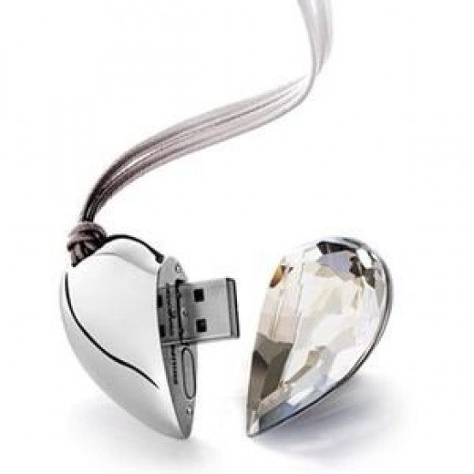 Clear Crystal Heart USB Drive 2GB