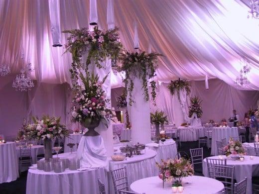 Inexpensive yet elegant wedding reception decorating ideas for Affordable wedding decoration